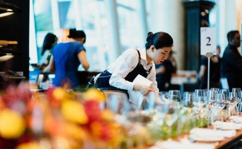 8 Traits That Hospitality Workers Need to Succeed